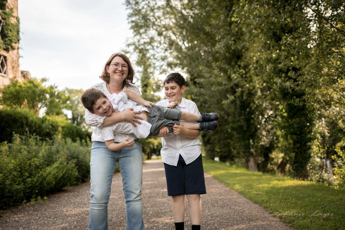 séance famille lifestyle stephanie layes photographe haute loire puy de dome