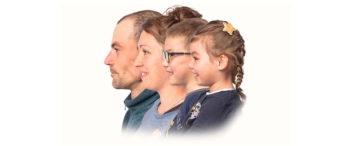 Family portrait montage famille